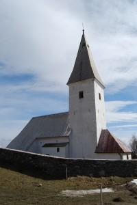 Cerkev sv. Janeza Krstnika nad Dravsko dolino.